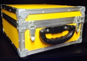 CASE PARA 60 CDS - PROJECT CASE AMARELO