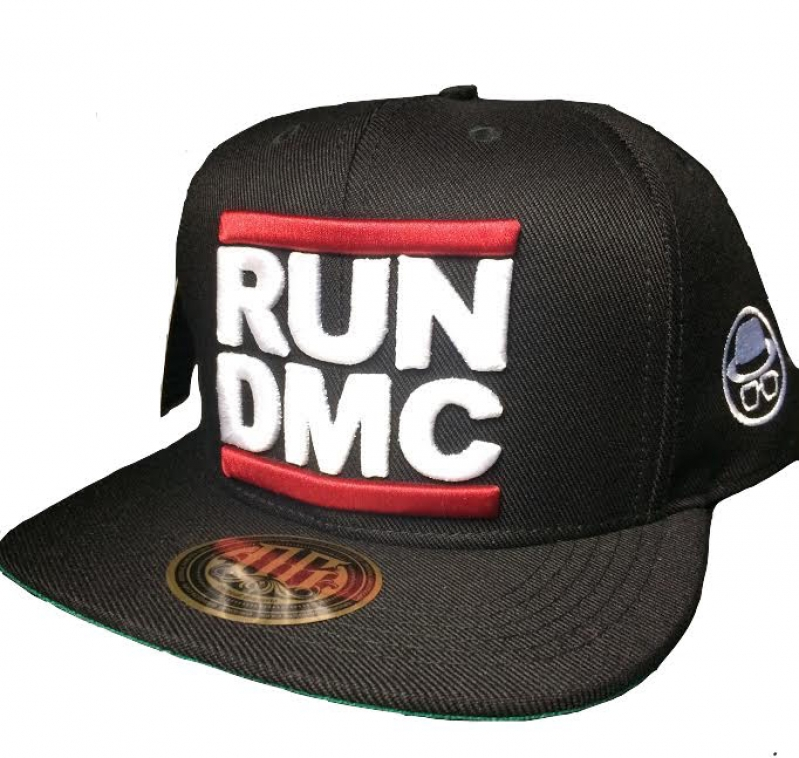 BONE RUN DMC - PRETO BORDADO BRANCO