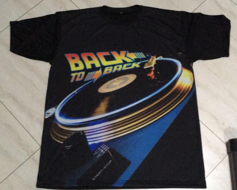 CAMISETA DJ BACK TO THE FUTURE