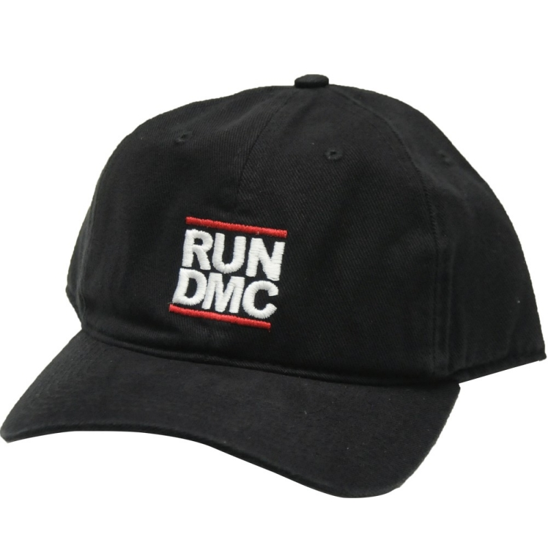 BONE RUN DMC ABA CURVA - PRETO BORDADO BRANCO