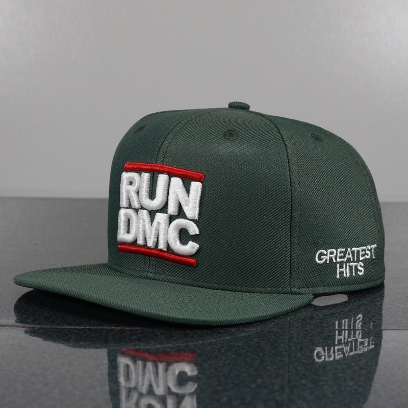 BONE RUN DMC - PRETO BORDADO VERDE